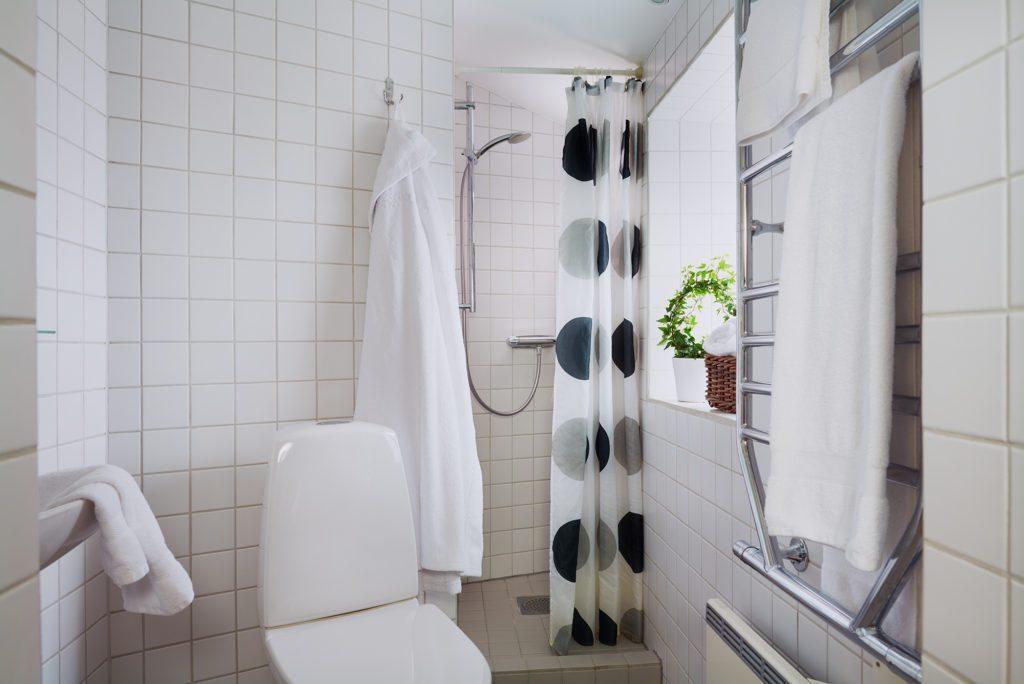Kiviks Hotell rum 51 badrum