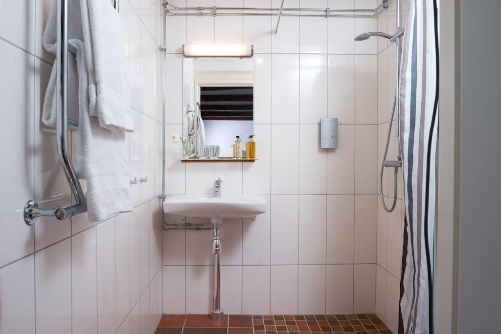 Kiviks-Hotell-villa-julia-badrum